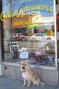 Shorty outside Anacabe's