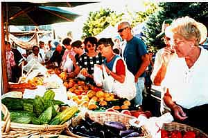 The Sparks Hometowne Farmer's Market is held Thursdays from June 12 to August 21, 4 to 9 pm except August 7.