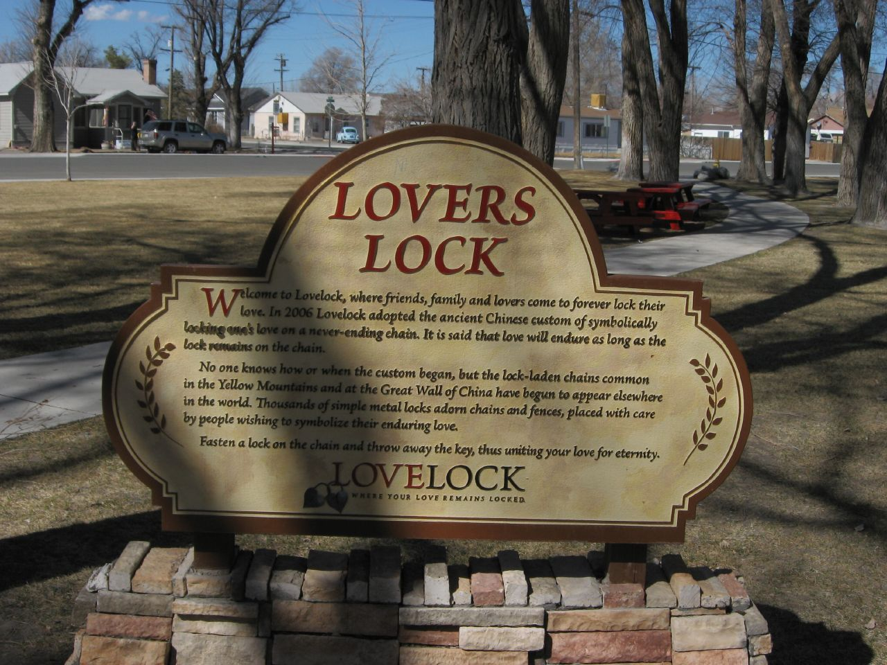 Lovers' Lock Plaza